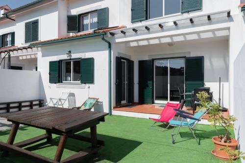 Gelfa Beach House - Photo 2 of 45