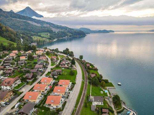 The lake house in the Mountains - Hotel - Leissigen
