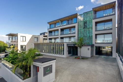 FERNZ Motel & Apartments Birkenhead - Accommodation - Auckland