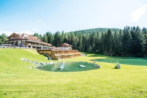 . Hotel Weiher Green Lake