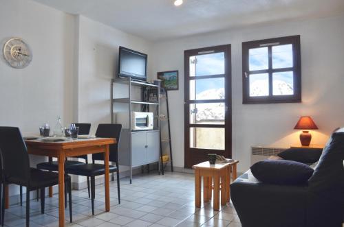 GRANGES 9 - petit appartement, vue époustouflante, au pied des pistes DOMAINE ALPE D'HUEZ SKI - Apartment - Villard Reculas