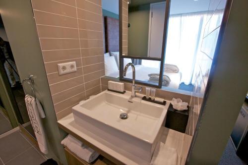 Hotel De Hallen Двухместный номер Делюкс с 2 отдельными кроватями
