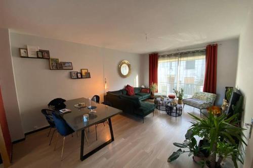 Grand appartement avec terrasse + jardin ARÈNES - Location saisonnière - Béziers
