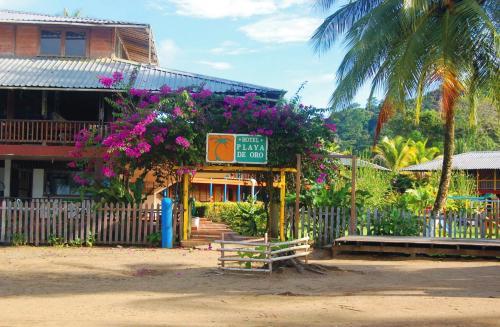 . Playa de Oro Lodge