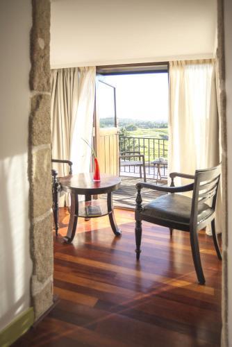 Superior Double Room with Terrace - single occupancy Hotel Quinta de San Amaro 16