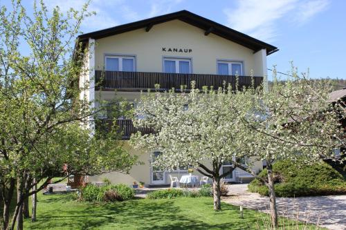 Appartements Kanauf, Pension in Krumpendorf am Wörthersee