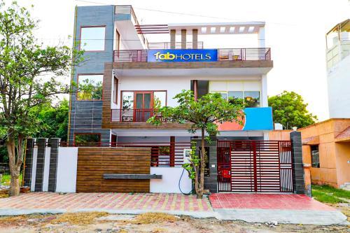 . FabExpress Abodes House Noida
