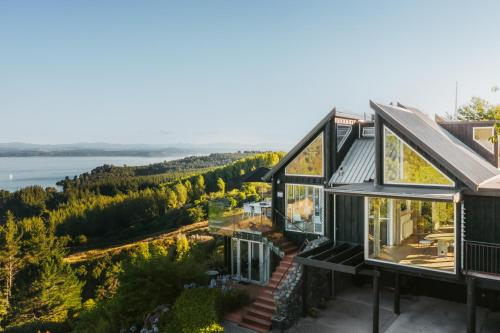 Acacia Cliffs Lodge - Accommodation - Taupo