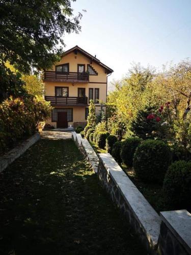Casa Bunicii - Accommodation - Comarnic