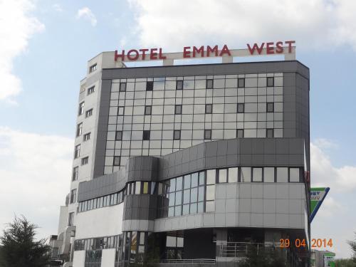 . Hotel Emma West