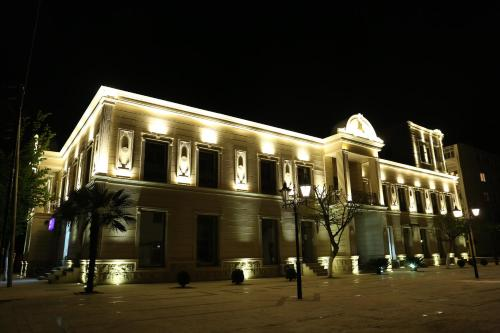 . Luxe Lankaran Hotel