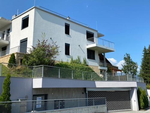 Exklusive Penthousewohnung mit Tesla-Wallbox in Innsbruck Innsbruck - Igls