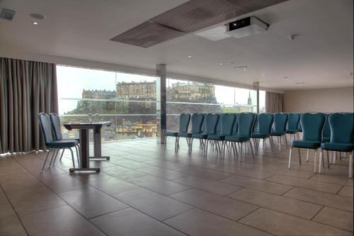 Doubletree by Hilton Edinburgh City Centre photo 19