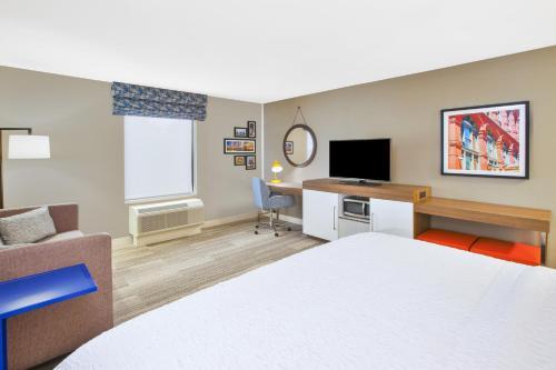 1 King Sofa Bed Microwave Fridge Non-Smoking