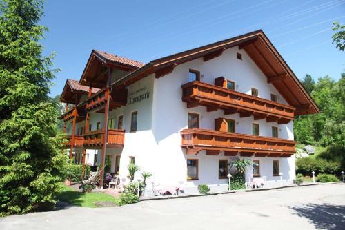 Aparthotel Alpenpark - Accommodation - Kochel