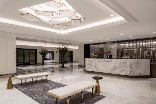 Four Seasons Chicago - Hotel