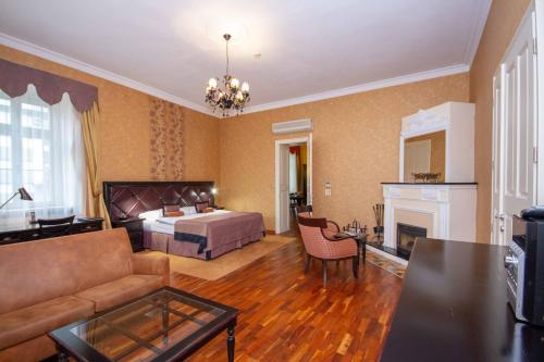 . Luxury apartments in the historical building in the heart of Old Town