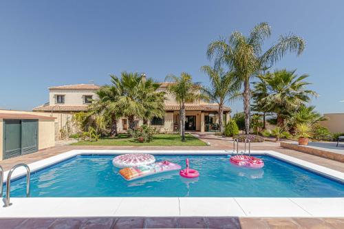 797 Holiday rentals- Villa Karmyr Preciosa villa para 8 con piscina - Hotel - Alhaurín de la Torre