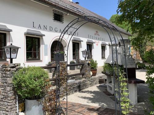 . Landgasthof Steinmühl Hofbauer Frühstückspension und Campingplatz