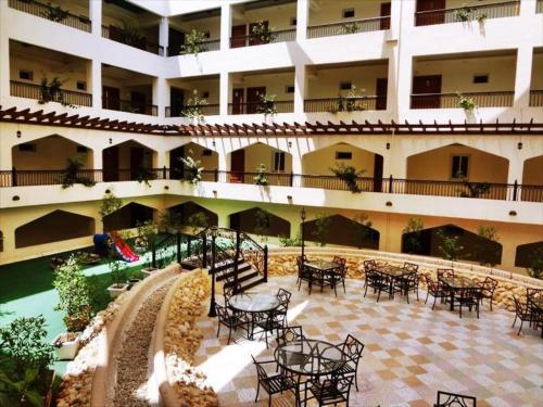 Johny International Hotel