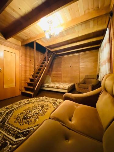 Փայտե Տնակ-Wooden House