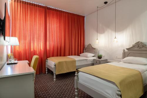 Hotel Sinchronas - Photo 6 of 41
