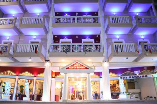 . Hotel Kosta Famissi