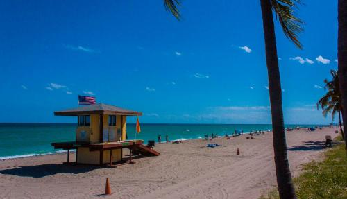 10stepstothebeach Hollywood Rentals By Owner - Hollywood, FL 33019