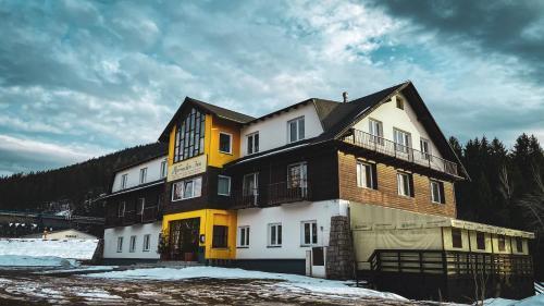 . Hotel Harrachov Inn