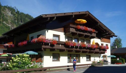 Pension und Appartement Weinschreiber - Hotel - Rauris