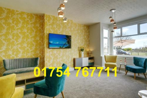 Palm Court, Seafront Accommodation - Photo 1 of 50