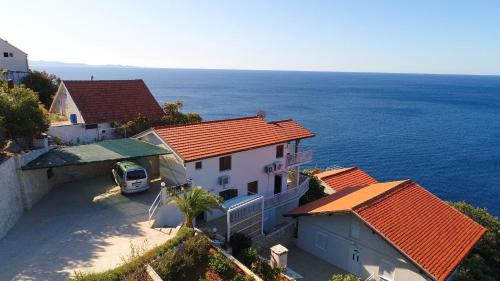 . Seaside Apartments Hrkać