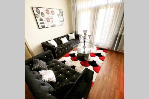 2 bed 2 bath Split Floorplan - Apartment - Detroit