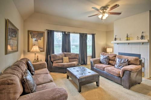 Cozy House with Yard and Fireplace - 3 Mi to UH! - image 3