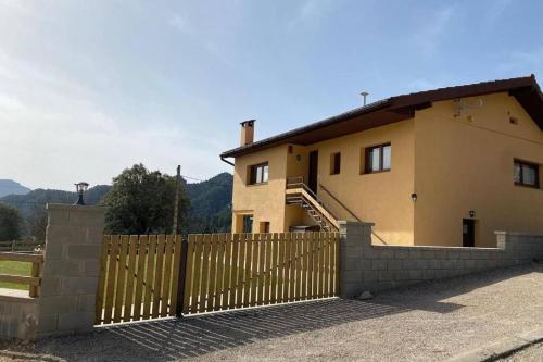 Allotjament Cal Bru - Apartment - Sant Llorenc de Morunys
