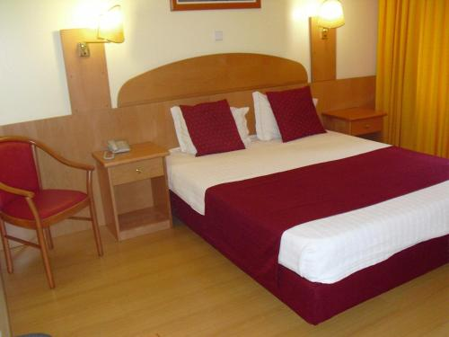 Quarto Duplo com Cama Extra (Double Room with Extra Bed)