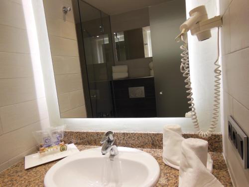 Hotel Isla de Cabrera room photos