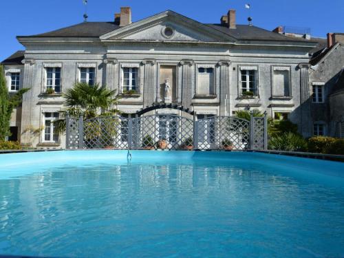 . Appartement Châtillon-sur-Indre, 5 pièces, 10 personnes - FR-1-381-485
