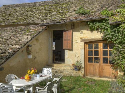 Gîte Cleyzieu, 3 pièces, 5 personnes - FR-1-493-139 - Location saisonnière - Cleyzieu