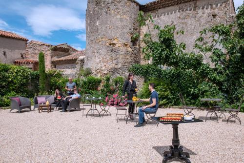 Hôtel Les Remparts de la Cité - Carcassonne - Hôtel - Carcassonne