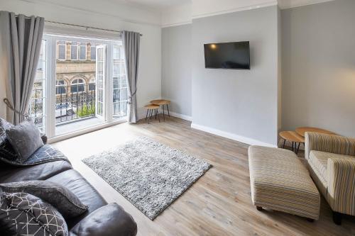 . Glencoe Apartments