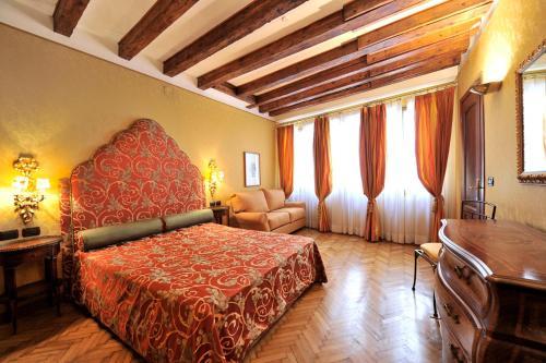 Caerano di San Marco Apartment Sleeps 7 Air Con, Pension in Venedig