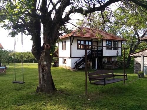 . Вилно Селище Дядовите Къщи