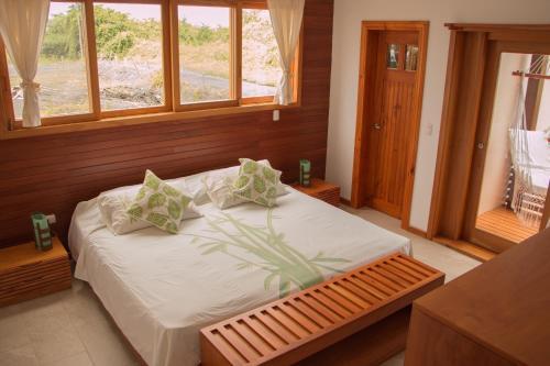 . Chez Manany Galapagos Ecolodge
