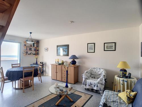 . Appartement Jullouville, 3 pièces, 4 personnes - FR-1-361-339