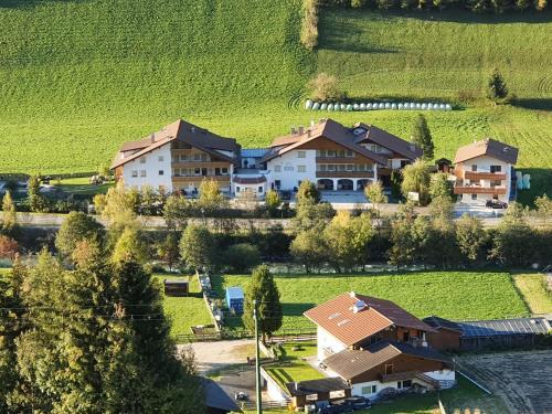 Hotel Sonja - Cadipietra / Steinhaus