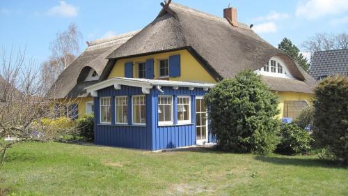 . Ferienwohnungen Reetwinkel in Wieck