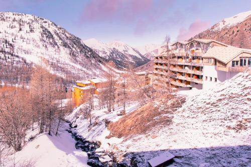 Résidence Pierre & Vacances Les Terrasses d'Azur - Accommodation - Isola 2000