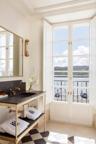 Deluxe Double Room with River View Gran hotel Brillante 7