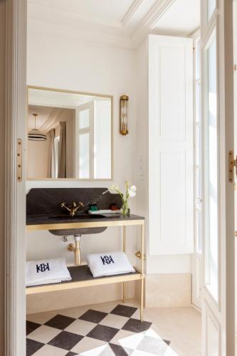 Deluxe Double Room with River View Gran hotel Brillante 3